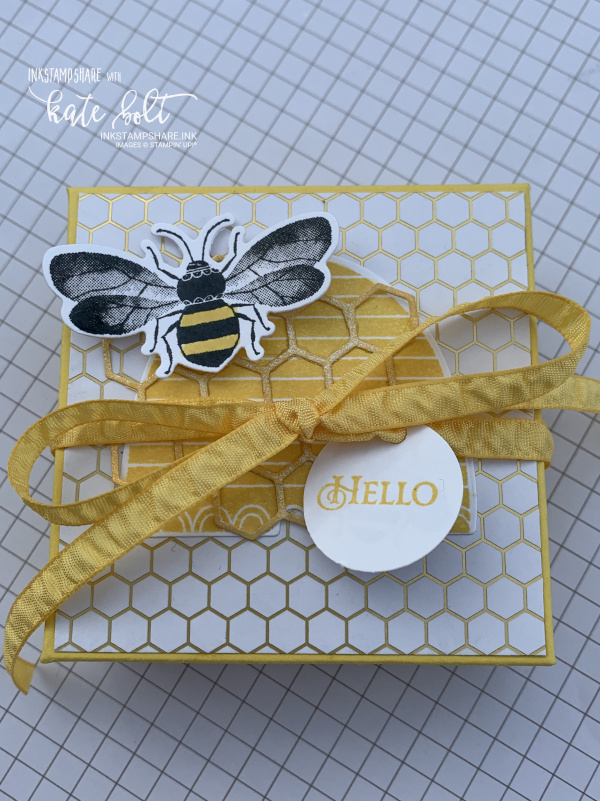 Box for body butter. Made using the Honey Bee Bundle and the Golden Honey papers from Saleabration. Featuring a honey bee, honey comb and  ruched ribbon and gift tag.