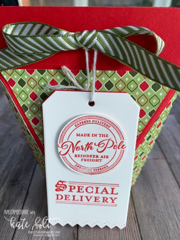 Self closing gift box for Christmas using the Wishes and  Wonder Bundle by Stampin Up for the Positive Inkers Blog Hop.